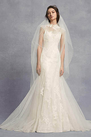 Wedding Dresses for Petite Brides Vera Wang Luxury Wedding Gown Petite Lovely White by Vera Wang Wedding