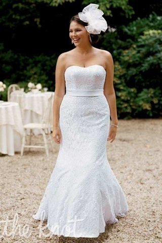 small Fustany Fashion Weddings How to Hide Belly Fat with Your Wedding Dress 1