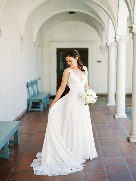 Wedding Dresses Honolulu Best Of Outdoor Garden Inspired Wedding at Scripps College In 2019
