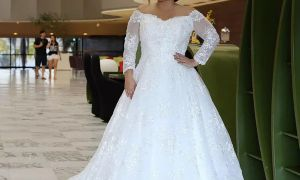27 Awesome Wedding Dresses Plus Size with Sleeves