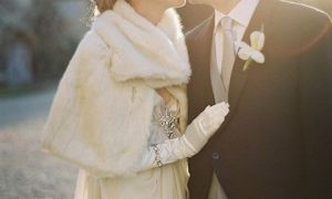 22 New Wedding Dresses with Gloves