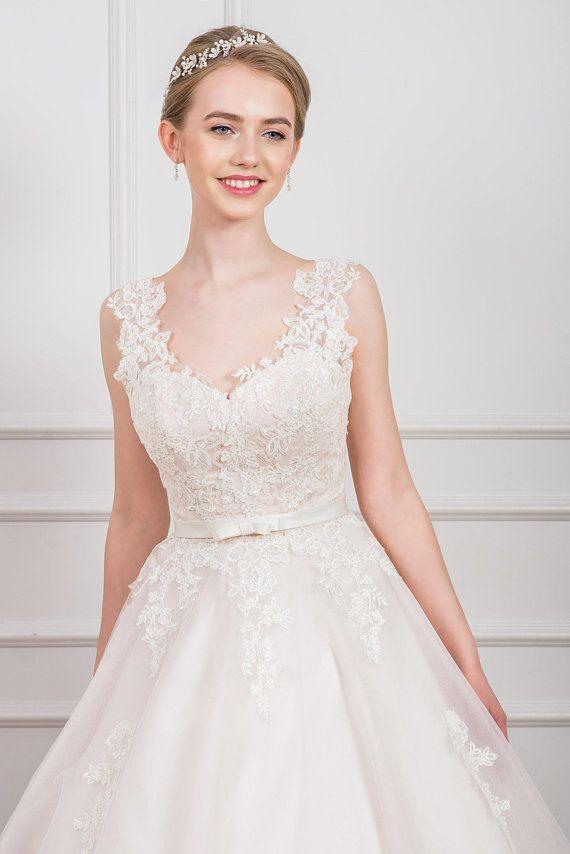 Wedding Dresses with Tulle Skirt Elegant Wedding Dress Tutu Skirt Tulle Skirt Lace top Bridal Gown