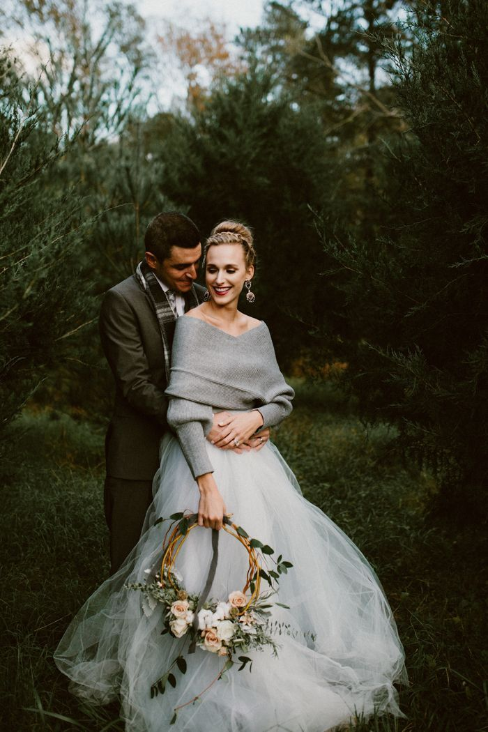 Winter Wonderland Wedding Dresses Inspirational This Cozy Winter Wedding Shoot Features A Muted Icy Color