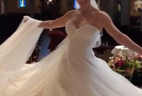 see katharine mcphee twirl in her fairytale princess wedding dress 600x405